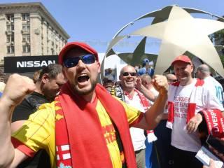 Тысяча болельщиков «Ливерпуля» не может прилететь в Киев на финал Лиги чемпионов. Проблему лично решает Кличко