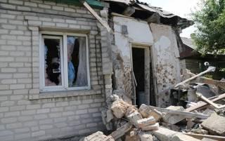 На Донбассе участились обстрелы. Одна из мин попала в склад боеприпасов