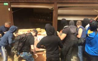 Погром на «Лесной» в Киеве завершился массовыми столкновениями националистов с полицией