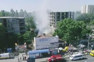 В Киеве горит один из первых кинотеатров города