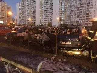 В Киеве на глазах у полиции сожгли BMW X5 помощника «радикала» Мосийчука. Нардеп сравнил Киев с Чикаго 30-х