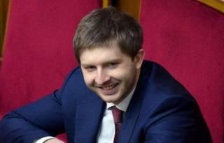 Порошенко таки уволил главу Нацкомиссии по тарифам, который ввел абонлпату за газ
