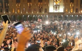 Протесты в Грузии: генпрокурор страны ушел в отставку, премьер – пока нет