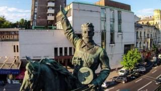 Кличко не хочет декоммунизировать памятник Щорсу: уж очень красивый