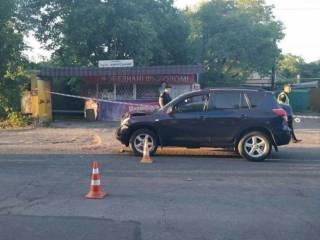 В Одессе люди перекрыли дорогу, где на выходных под колесами авто погибла маленькая девочка