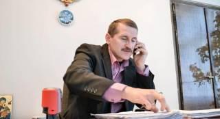 На Львовщине мэр ударил по лицу активиста. И пообещал, что так будет с каждым