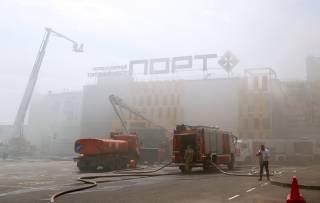 В России пылает очередной торговый центр. Людей срочно эвакуировали