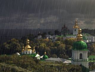 Синоптик спрогнозировал погоду на все лето: дожди и холодный август