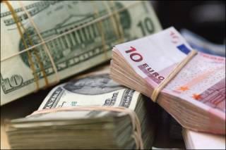 Украинцы дружно продают валюту – побит прошлогодний рекорд