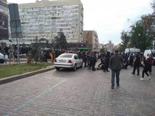 Перед ЛГБТ-маршем в Киеве подрались националисты и полиция. Есть пострадавшие и задержанные