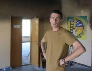 Подполковнику Госпогранслужбы сломали челюсть в одном из кафе Мариуполя за просьбу дать меню на украинском языке