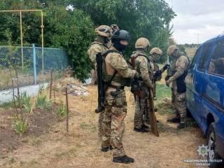 На Одесщине какой-то псих устроил стрельбу по полицейским и бросил в них гранату