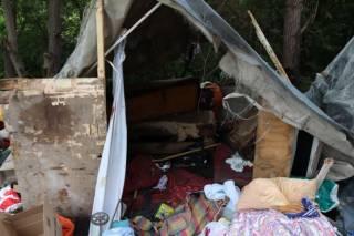 При погроме лагеря ромов во Львове один из них погиб. На масштабы проблемы обратили внимание в США