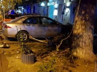 В центре Одессы хотели взорвать начальника охранной фирмы с семьей