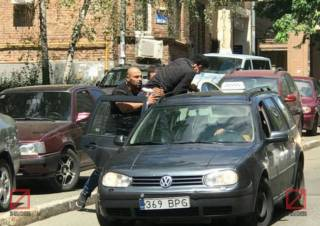 В центре Киева посреди бела дня неизвестные похитили сына ливийского дипломата, – СМИ