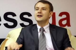 Тимошенко и другие политики, выступающие за ограничение полномочий президента, действуют согласно логике, заложенной Медведчуком, - Олещук