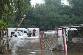 Из-за непогоды в разных регионах Украины сообщают о потопах