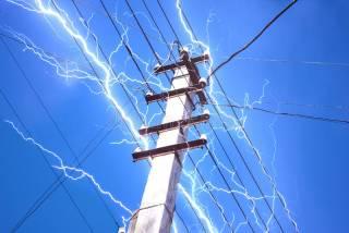 Непогода в Украине: почти четыре сотни населенных пунктов остались без электричества