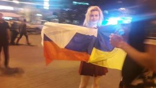 В Киеве на Майдане из-за российского флага произошла потасовка
