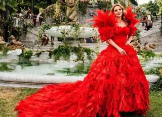 На показе Dolce&Gabbana Alta Moda 2018 Оксана Марченко появилась в шикарном красном платье