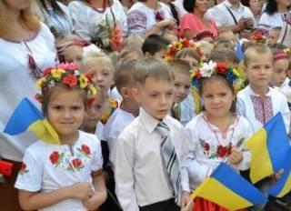 Чиновники под Киевом нашли странное решение проблемы нехватки мест для первоклашек. Родители бьют тревогу