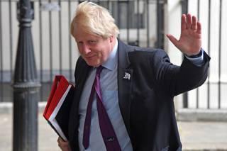 Глава МИД Британии ушел в отставку