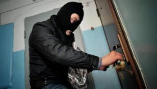 Около квартир киевлян все чаще появляются воровские метки. Эксперты рассказали, как уберечь имущество