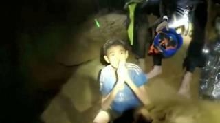 С помощью украинских спасателей в Таиланде из пещеры вывели всех детей