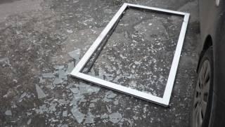 В самом центре Киева на девушку рухнуло стекло с 11 этажа