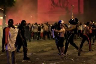 Празднование победы сборной Франции на ЧМ-2018 переросло в массовые беспорядки