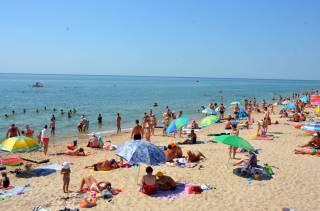 На популярном пляже под Одессой купаться в море не рекомендуют