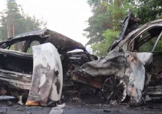 В ДТП в Киеве заживо сгорела семья с ребенком. Появилось жуткое видео столкновения