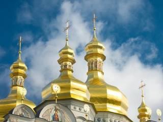 «Выходить на рейсы запретили спецслужбы»: В УПЦ МП утверждают, что им не дают привозить верующих в Киев на Крещение Руси