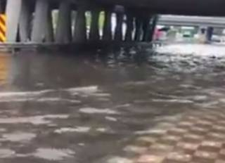 На Левом берегу Киева случился потоп. Появилось видео
