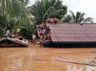 В Лаосе прорвало дамбу – сотню людей смыло в неизвестном направлении