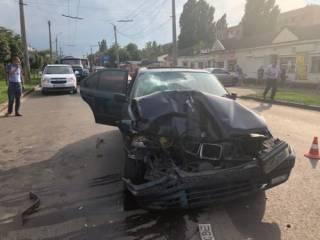 Еще одно жуткое ДТП: в Черкассах на пешеходном переходе погибла семья полицейского