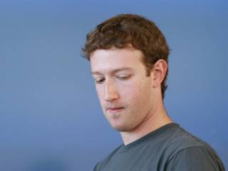 За несколько часов Цукерберг потерял больше денег, чем бюджет иного государства