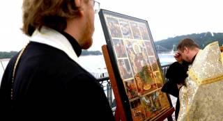 Уникальная святыня прибыла из Греции в Киев прямо по Днепру