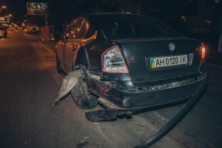 В Киеве пьяный водитель на «евробляхе» помял на парковке ТРЦ семь машин и уснул в патрульном автомобиле