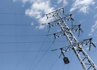 Непогода оставила без электричества более сотни населенных пунктов. Больше всех пострадали жители Западной Украины