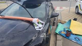 В Киеве блогер ради популярности прыгал по крышам автомобилей, снимая все на видео