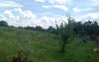 Под Одессой решили построить игровую площадку для малышей прямо на кладбище