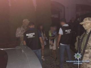 В Мукачево женщина пыталась продать для попрошайничества соседку-инвалида вместе с ребенком