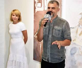 В центре искусства «Белый Свет» открылась выставка Александра Яновича