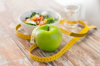 Ученые выяснили, что диеты эффективнее влияют на мужчин, чем на женщин