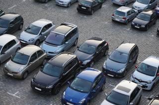 Стало известно, как уже осенью будут эвакуировать автомобили нарушителей парковки в Киеве