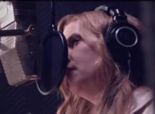 Дочь Элвиса Пресли спела «дуэтом» со своим отцом