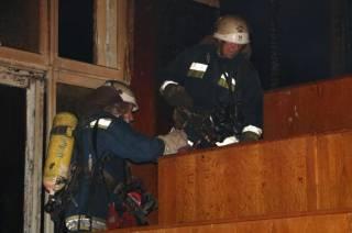 Ночью в центре Киева горела больница. Появилось видео