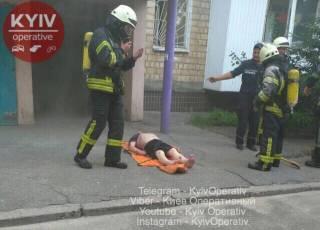 В квартире одной из киевских высоток прогремели сразу два взрыва