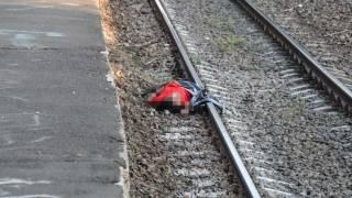 В Киеве девушка по непонятным причинам бросилась под поезд